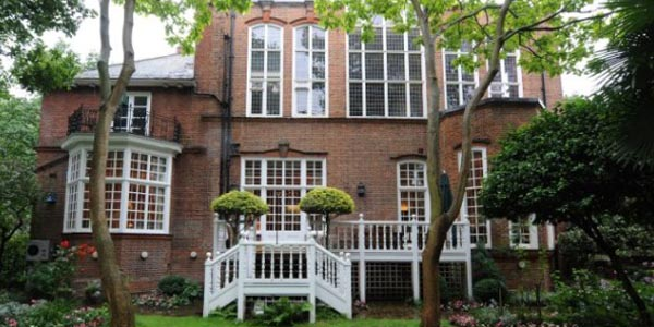 Robbie Williams Beli Rumah Mewah di London